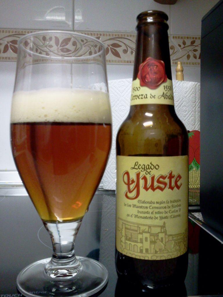 Legado De Yuste Cerveza De Abadia Aunque No Tiene El Mismo Gusto