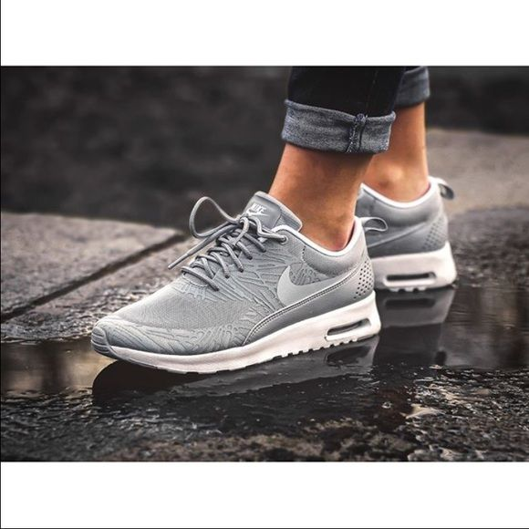 Nike Air Max Thea Wolf GreyWhite Print NWT! Sample from