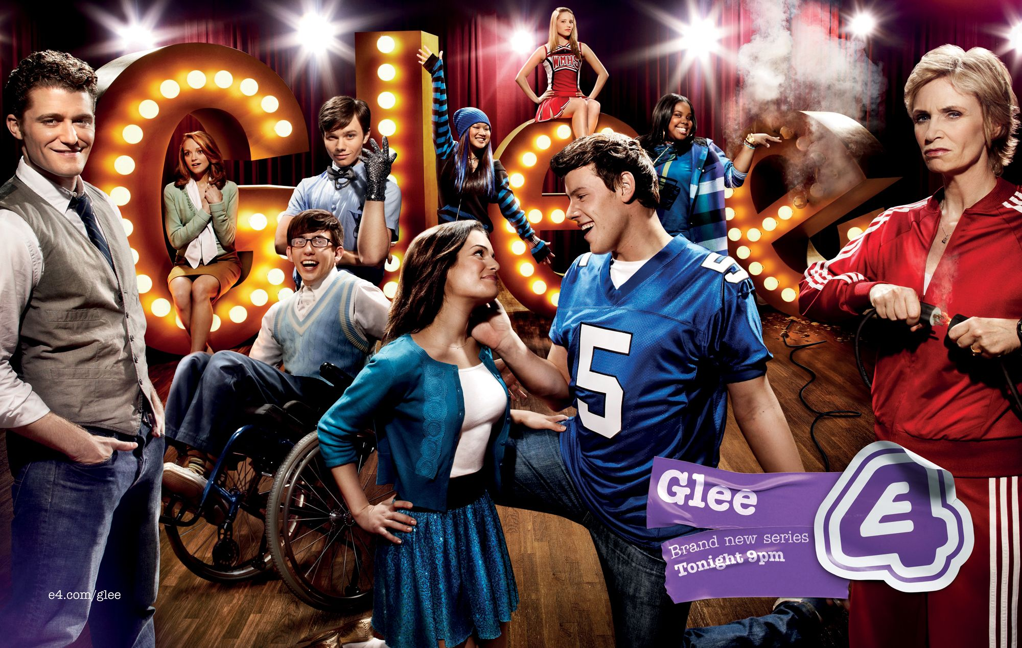 The Popular Shows Glee Modern Family And House Glee Cast