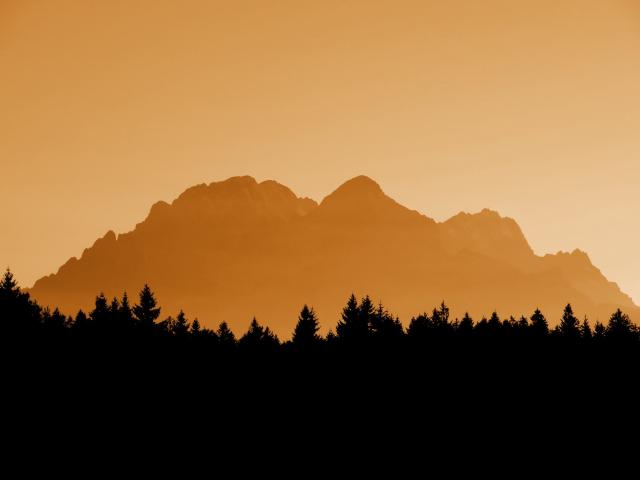 Joggingtouren bei Das Kranzbach vom 21.09 - 24.09.2015 - Film und Bericht von Thomas Schmidtkonz http://laufspass.com/laufberichte/2015/kranzbach-09-2015.htm #Alpen #Kranzbach #Schachenhaus #Karwendel #Wettersteingebirge #Bavaria