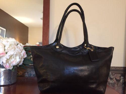 Authentic COACH Black Leather Handbag Purse Tote EUC https://t.co/tnIF7FmtCq https://t.co/9e0mciSgVr