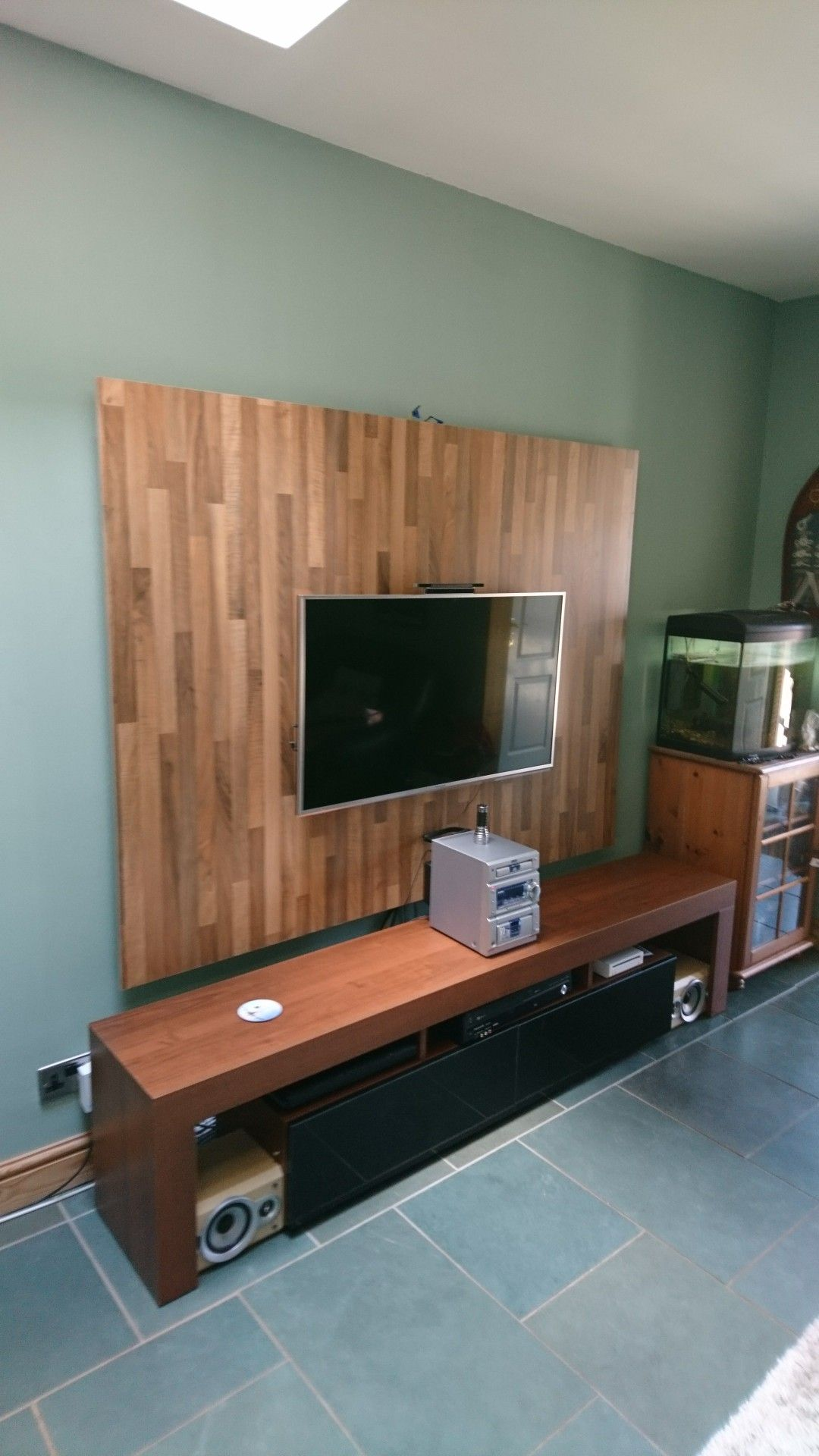 Cinewall Tv Paneel Our New Light Walnut Tv Back Panel Hooks On And Off The Wall With