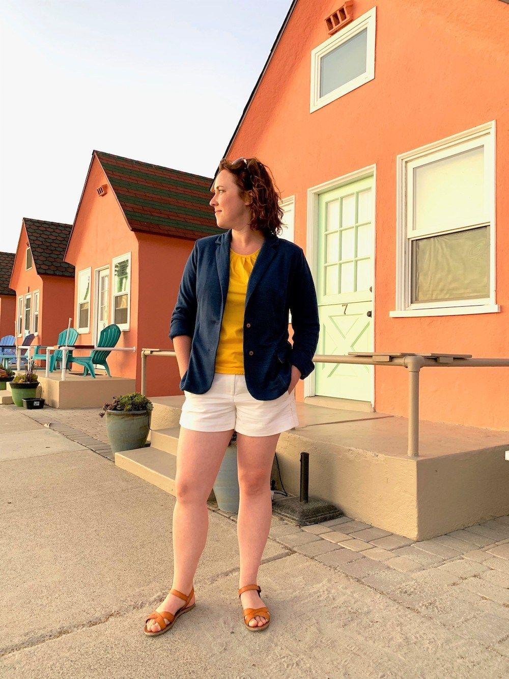 DIY La Paz Jacket by HannahMake It Wear It  Itch To Stitch I always thought of a jacket with notched lapel as something formal But after seeing Hannahs styling with the L...