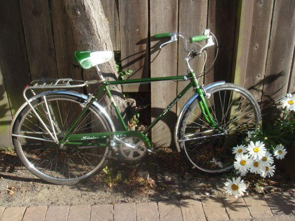 Racer Schwinn 3 Speed In Classic For Sale On Craigslist Right Now Little Rusty But The Price Is Right Schwinn Vintage Bikes Bike