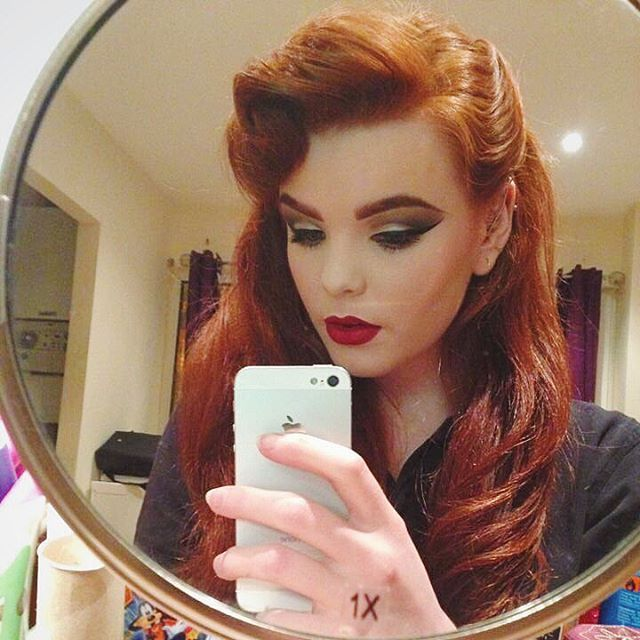 """▫️Model/Mua▫️Natural Redhead▫️ on Instagram: """"Here's a little flash back to last year when I played around with having a little hair quiff ❤️ #redhead #vintage #eyebrows #retro #makeup…"""""""