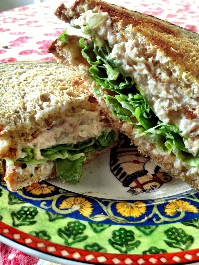 How To Make A Delicious Tuna Salad Sandwich Recipe Delicious Tuna Tuna Salad Sandwich Tuna Salad
