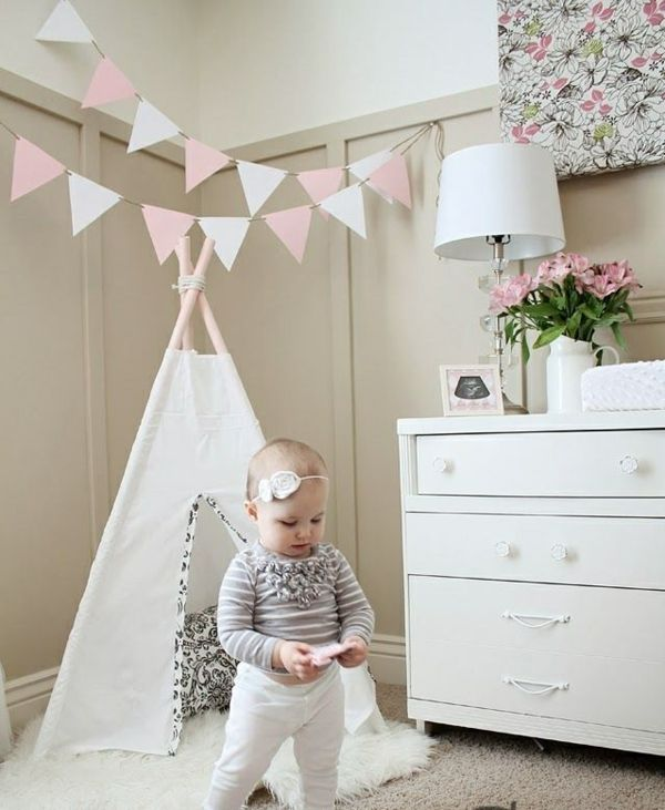 die besten 25 babyzimmer m dchen ideen auf pinterest. Black Bedroom Furniture Sets. Home Design Ideas