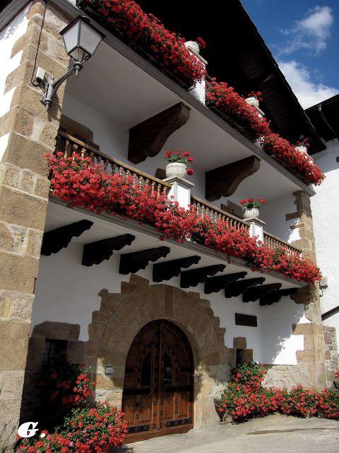 Navarre el bosque de orgi guk geuk pa s vasco vasca y pais vasco frances - Casas rurales pais vasco frances ...
