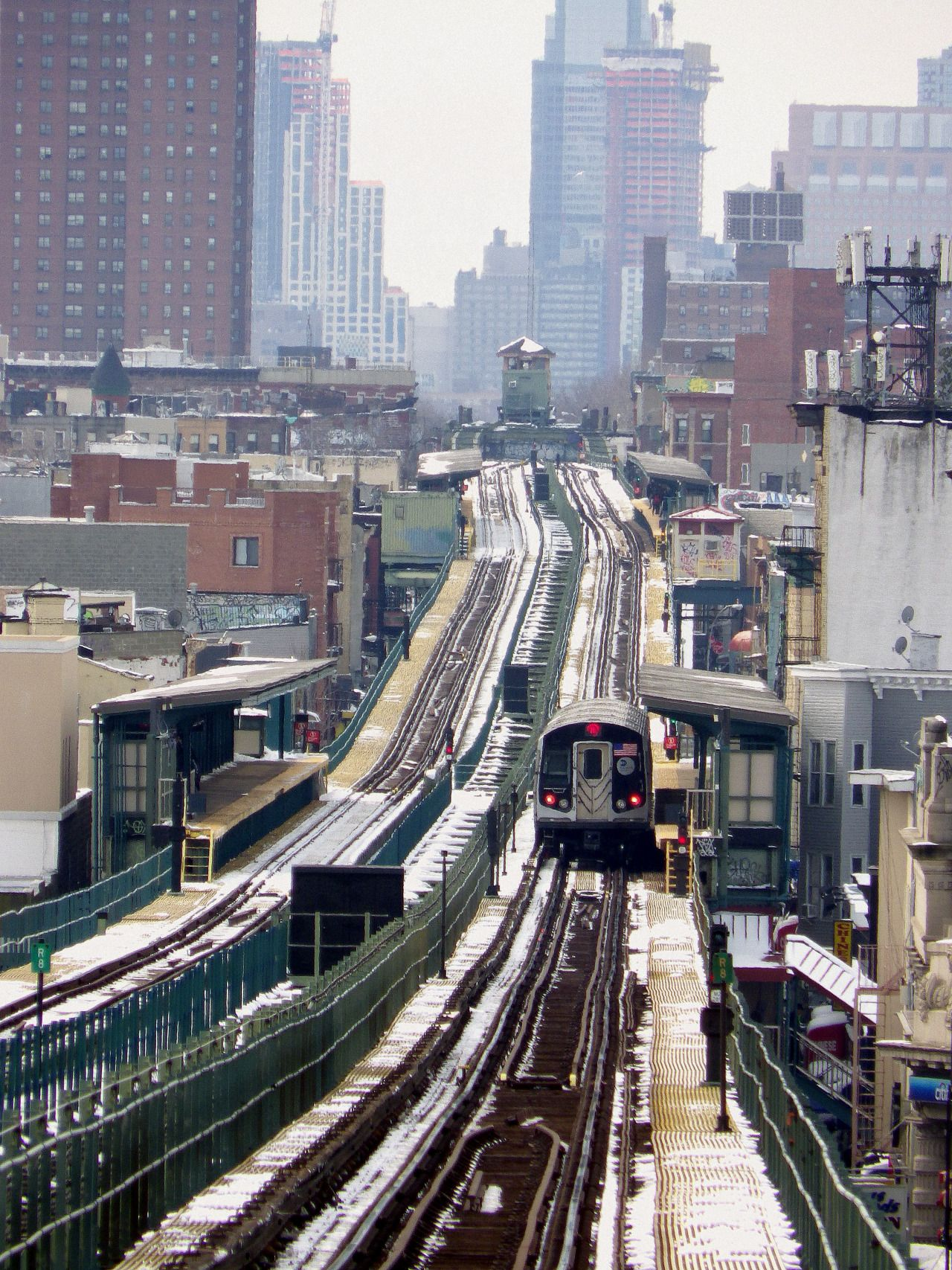 Wandering New York Looking Down The Tracks Of The Myrtle Avenue Line New York Subway Ny Subway Nyc Subway