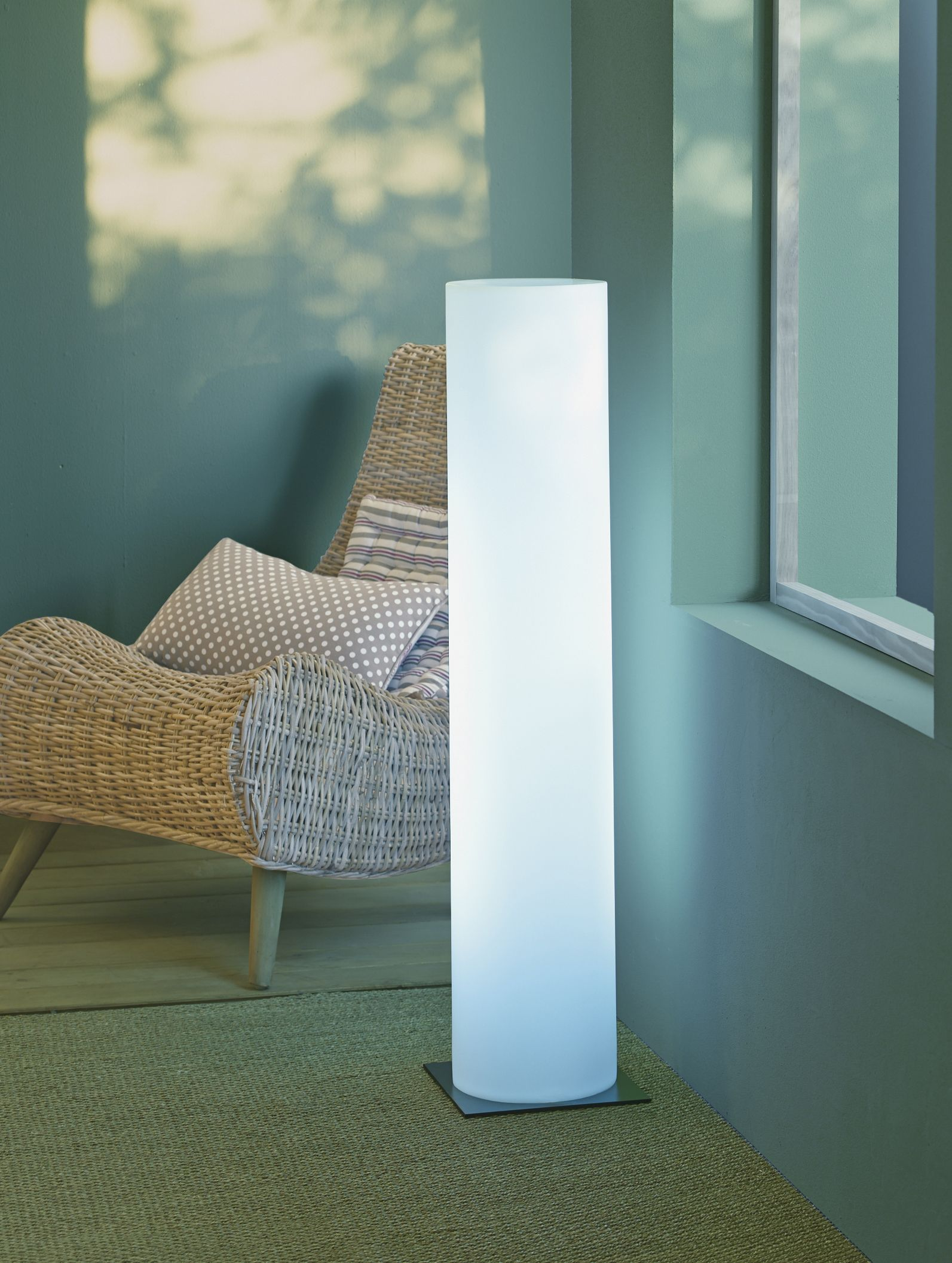 colonna colonne lumineuse alin a luminaires pinterest alin a luminaires et ronflement. Black Bedroom Furniture Sets. Home Design Ideas