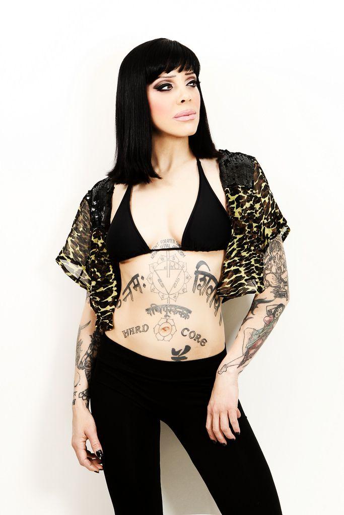 nude flyleaf Lead of singer