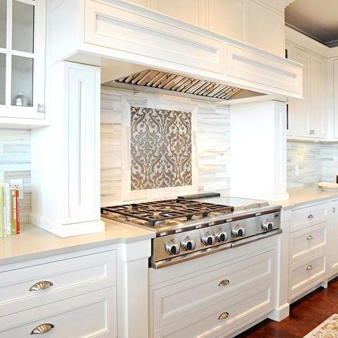 stove bump out | White shaker kitchen, White shaker ...