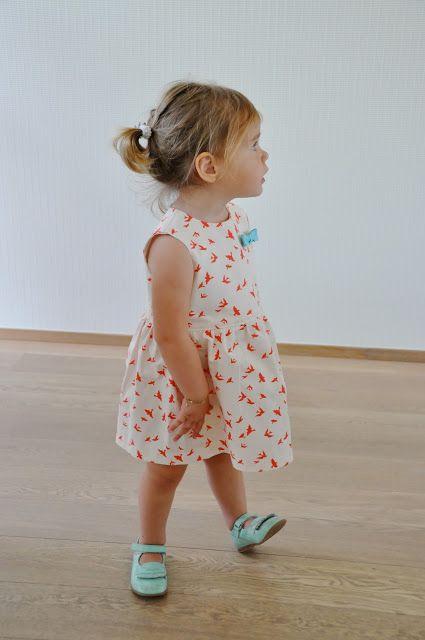 Freebook (niederländisch aber gut bebildert) süße Kleid für Kinder ...