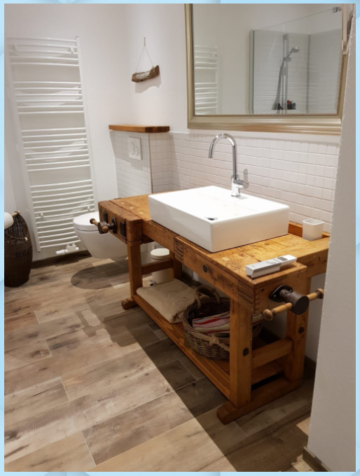 Waschtisch Aus Alter Hobelbank S L Loftart In 2020 Badezimmer Holz Waschtisch Holz Hobelbank