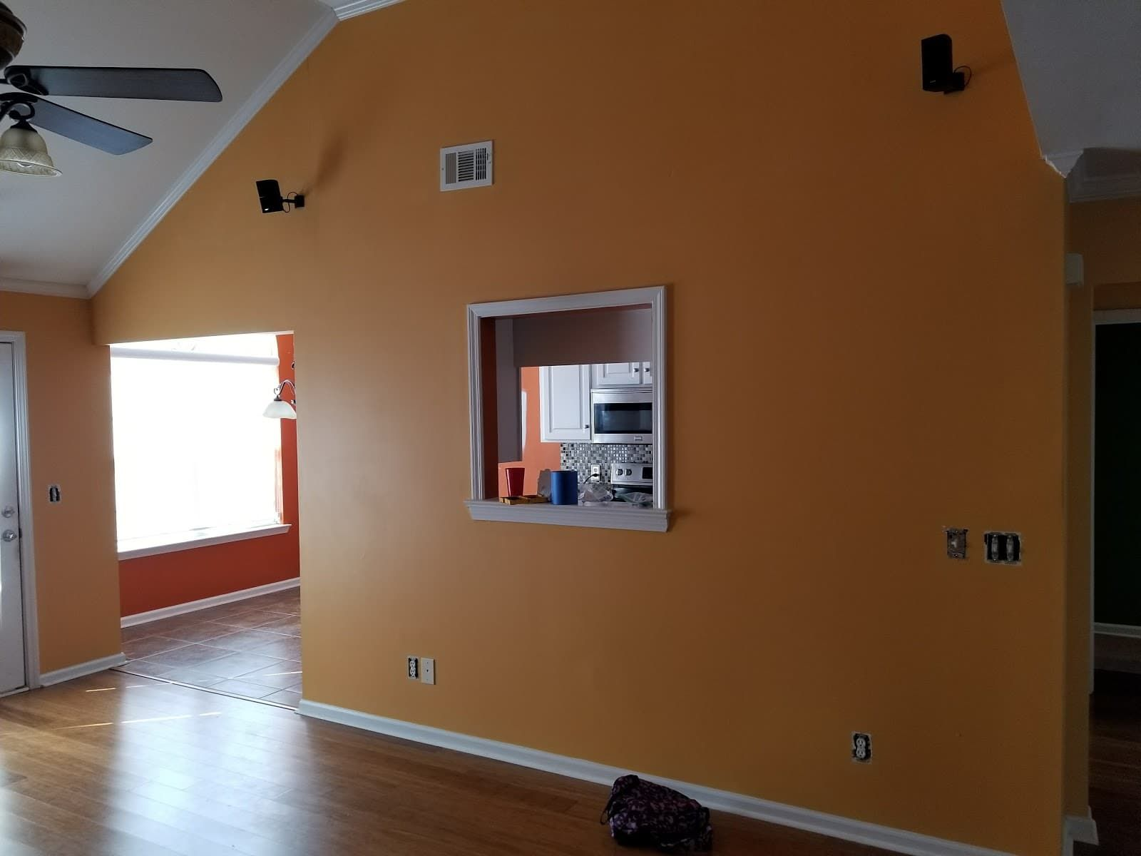 Browse The Wide Selection Of Interior Paint Colors For Your Home From Savannah Painting Get Creative Inte Stylish Home Decor Elegant Home Decor Interior Paint