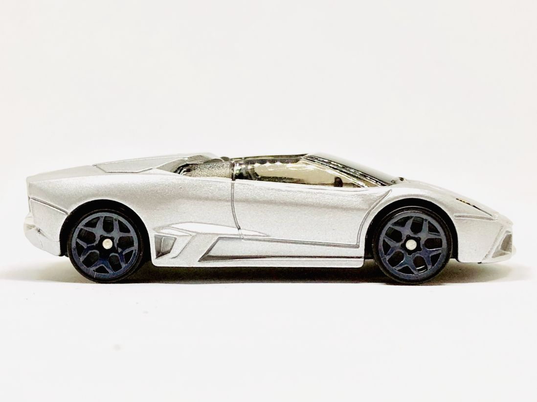 Hot Wheels Lamborghini Reventon Roadster Silvery Diecastgraphy