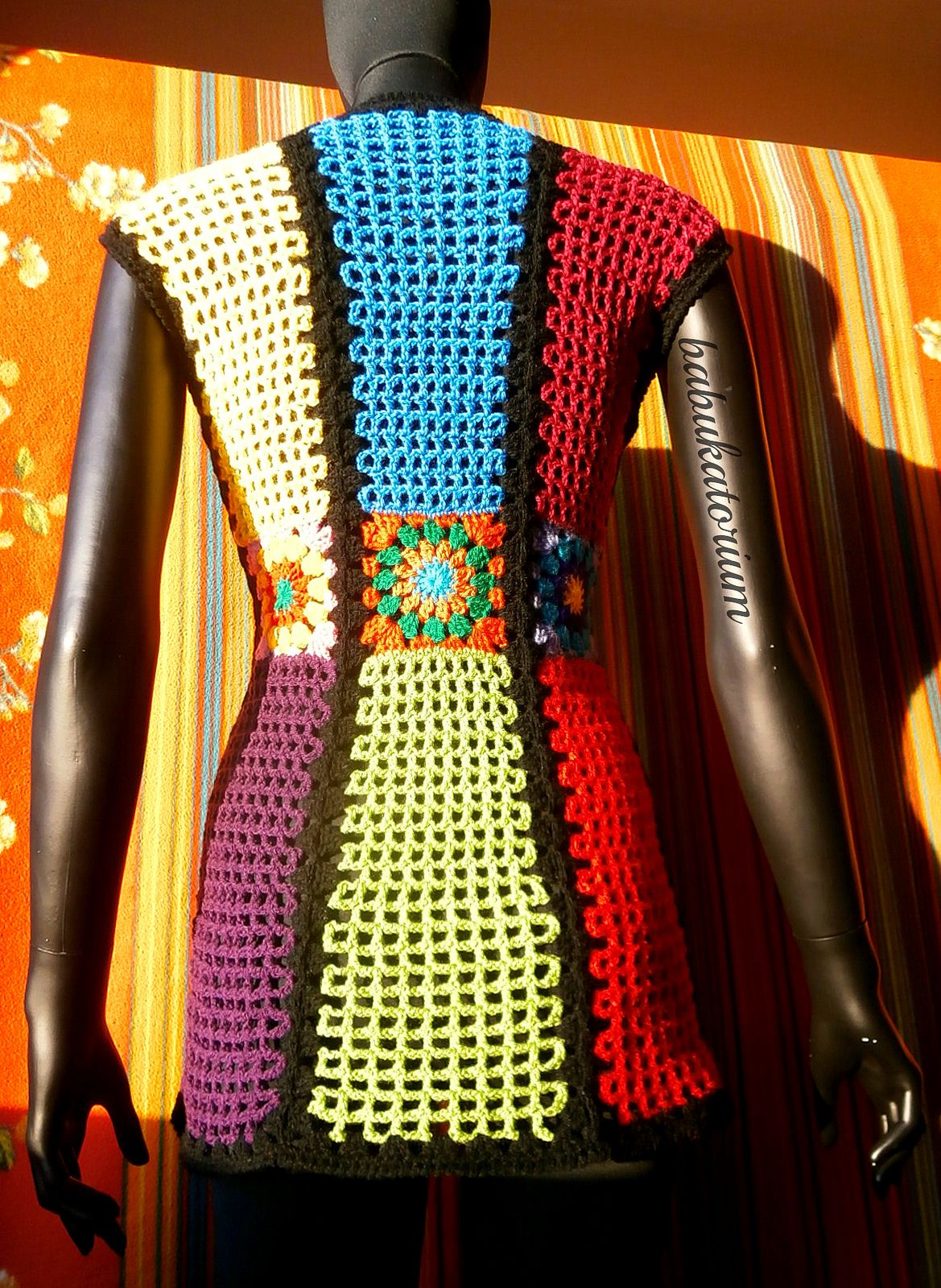 Granny Square Vest In Vintage Style With Self Shaping Design