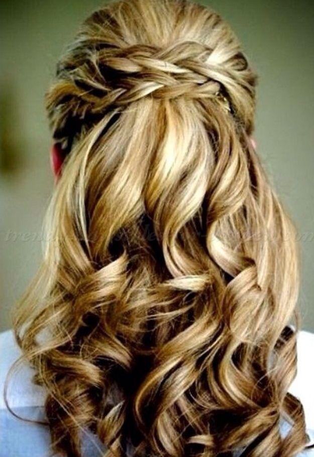 Einzigartige Einfach Locken Frisur Halb Hochgesteckt Frisur Hochgesteckt Frisuren Lange Haare Halboffen Frisuren Halboffen