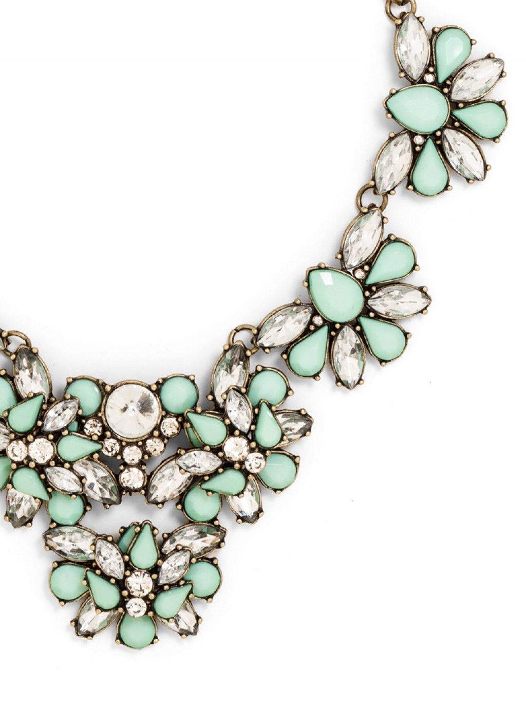 Eve Foliage Bib Necklace in #Mint http://rstyle.me/~1LVUv