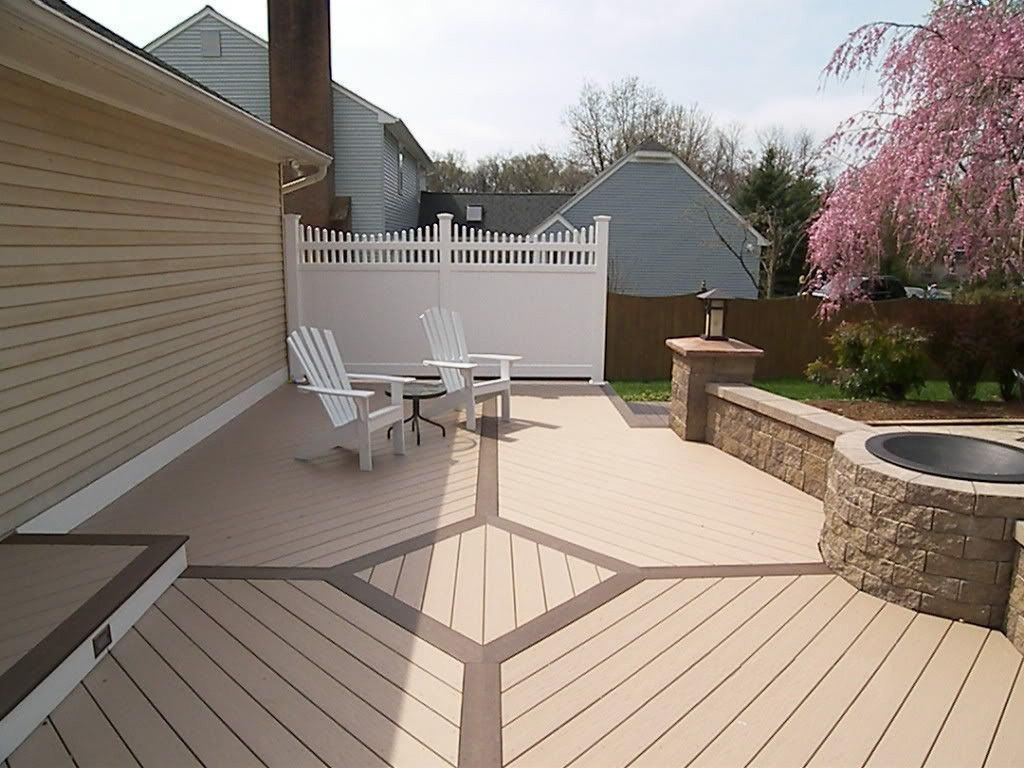 Azek Brownstone Vinyl #deck Flooring And Kona Border, Longevity White 6u0027  Privacy Panel