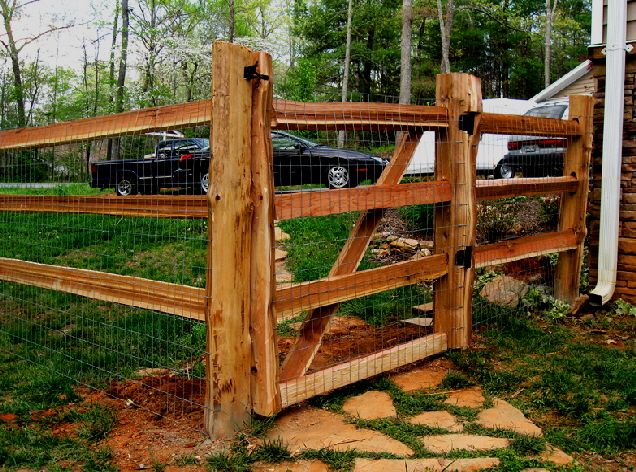 4 Ft Walk Gate In A 3 Hole Split Rail Fence Split Rail Fence Building A Trellis Fence Gate