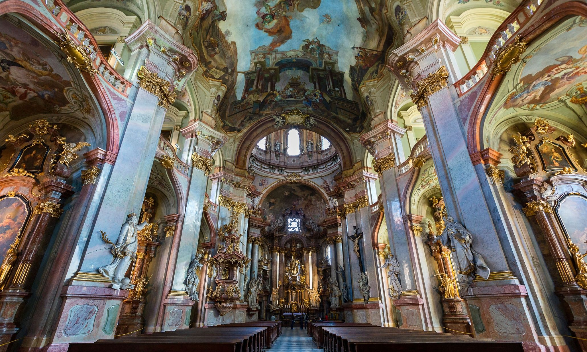 Iglesia San Nicolas / Top 10 things to do in Prague