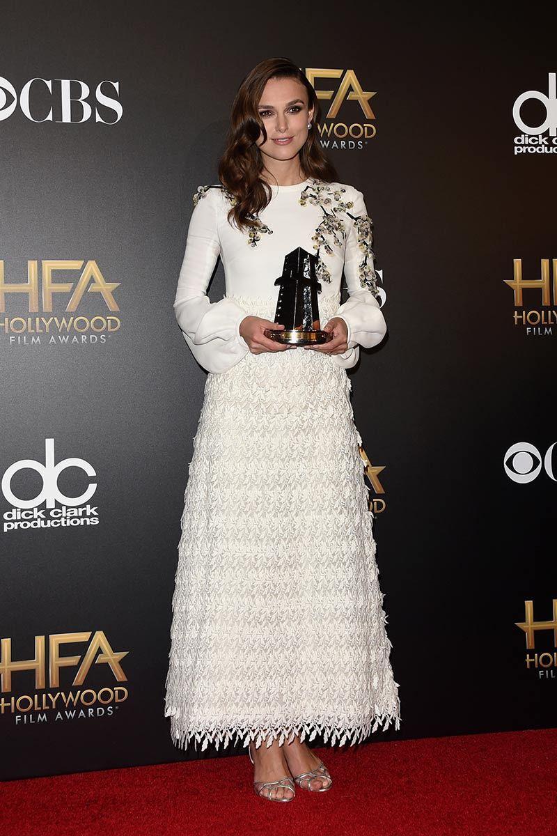 """Keira Knightley premio a la Mejor actriz secundaria en """"The imitation game""""  Giambattista Valli en la primavera de 2015"""