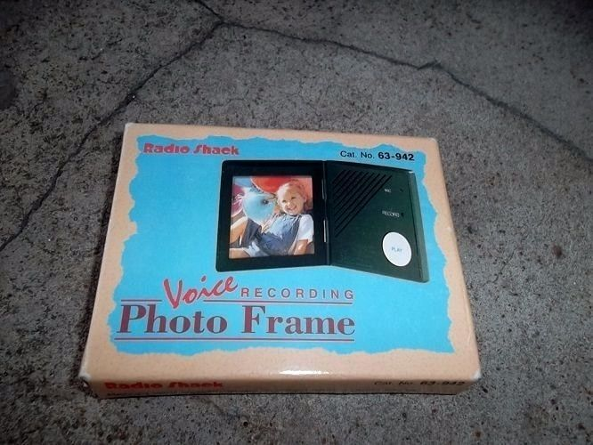 Voice Recording Photo Frame by Radio Shack Cat. No. 63-942