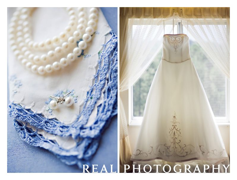 something blue wedding dress and bride jewelry detail photo idea