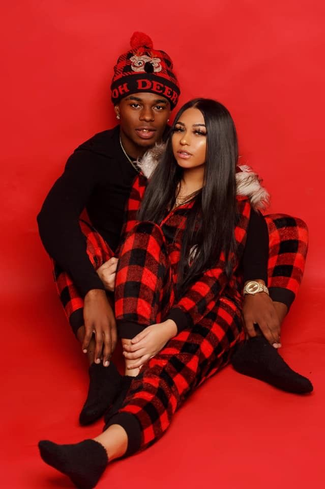 PIN : @HEYITSTATI01 -   17 christmas photoshoot couples black ideas