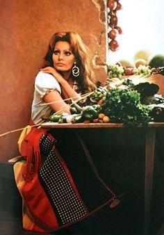 sophia loren koken con amore - Google zoeken | Nostalgic living ...