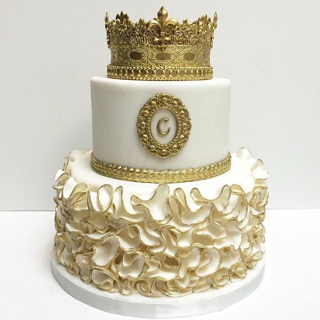 Pleasing Birthday Cake For A Princess Deliciousarts Cakebydeliciousarts Personalised Birthday Cards Petedlily Jamesorg