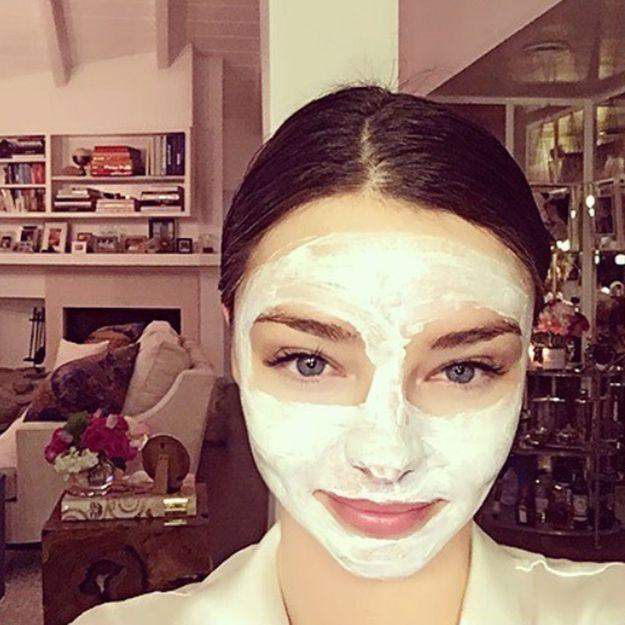 Comment appliquer un masque visage : nos conseils pour bien appliquer son masque pour le visage