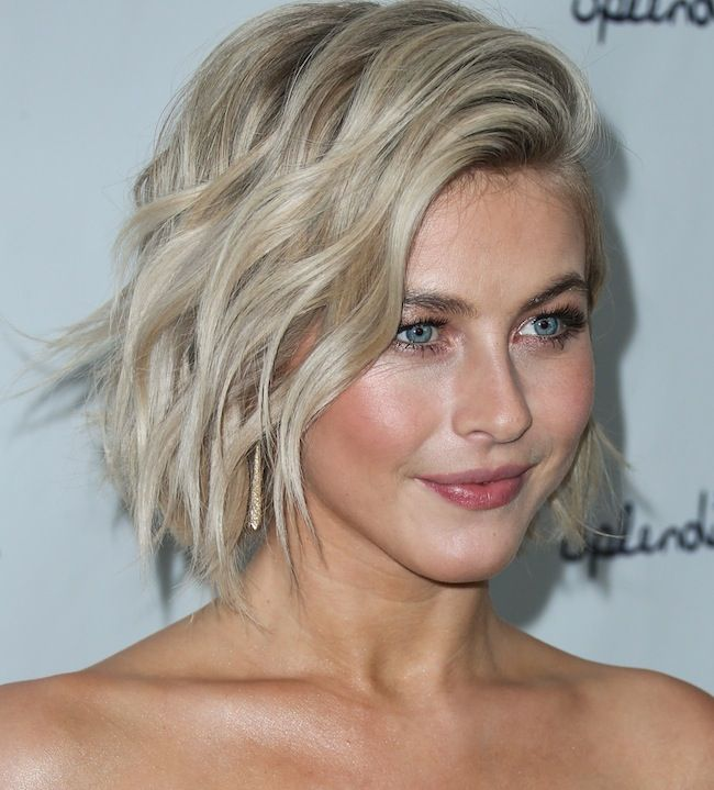 The Best Julianne Hough S Short Hairstyles Julianne Hough Short Hair Medium Short Hair Julianne Hough Hair