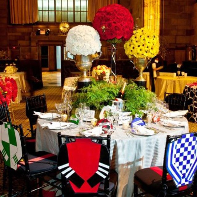 Derby party table setting omg great decor s c for Party table setting