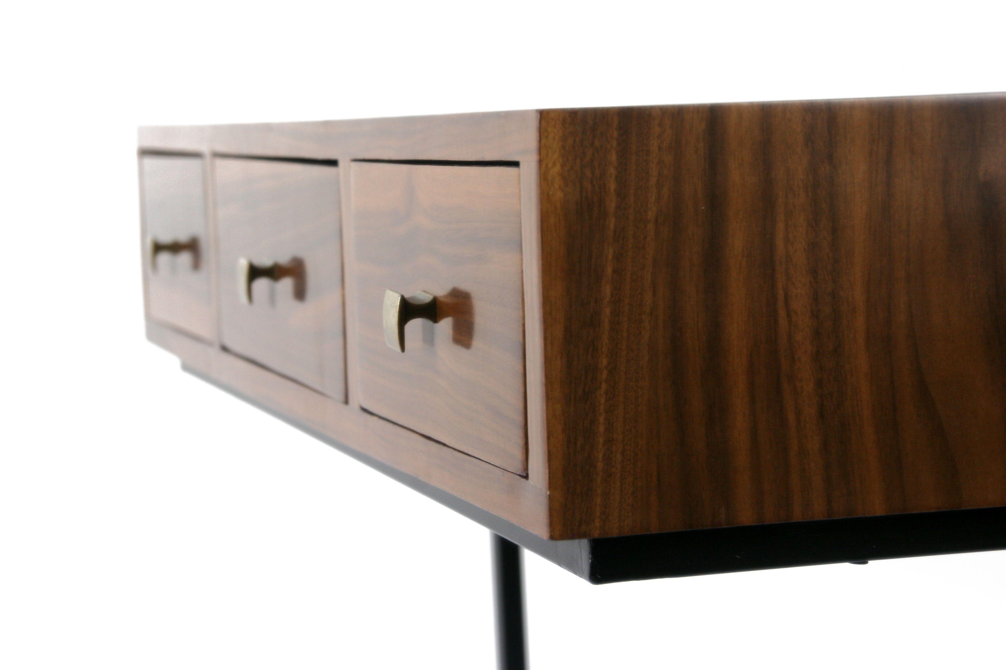 Mesita escritorio Renania. Con esta pieza quiero ofrecer un mueble ...