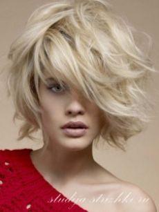Стрижка Боб Каре с окрашиванием холодный блонд на короткие ...