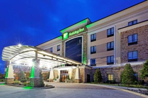 Holiday Inn Arlington Northeast Is Only 2 5 Miles From Six Flags Over Texas Amusement Park This Arlington Hotel Offers An On Arlington Hotel Days Hotel Hotel