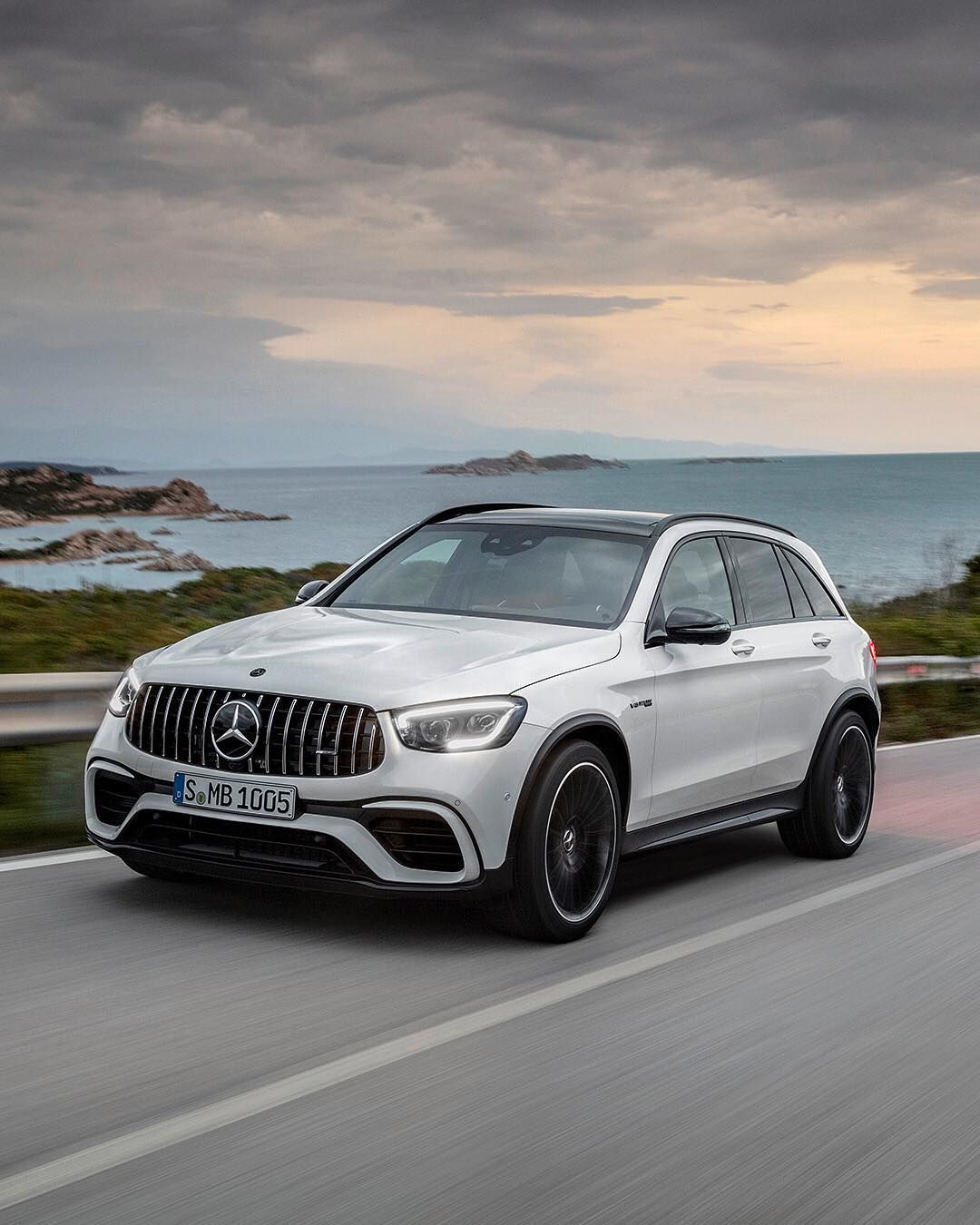 Car And Driver Di Instagram The Mercedesamg Glc63 Suv And Coupe