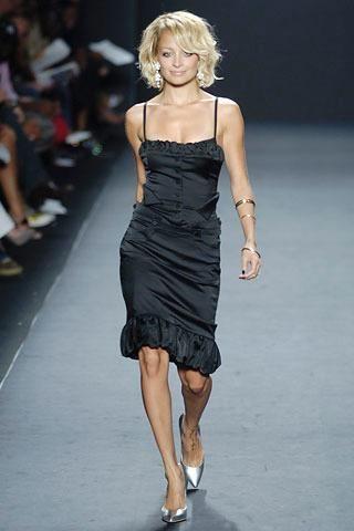 Who Made Nicole Richies Black Dress Dress Lamb Skinny In