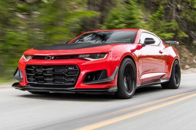 2018 chevrolet camaro zl1. simple zl1 2018 chevrolet camaro zl1 1le front three quarter in motion 04 inside chevrolet camaro zl1