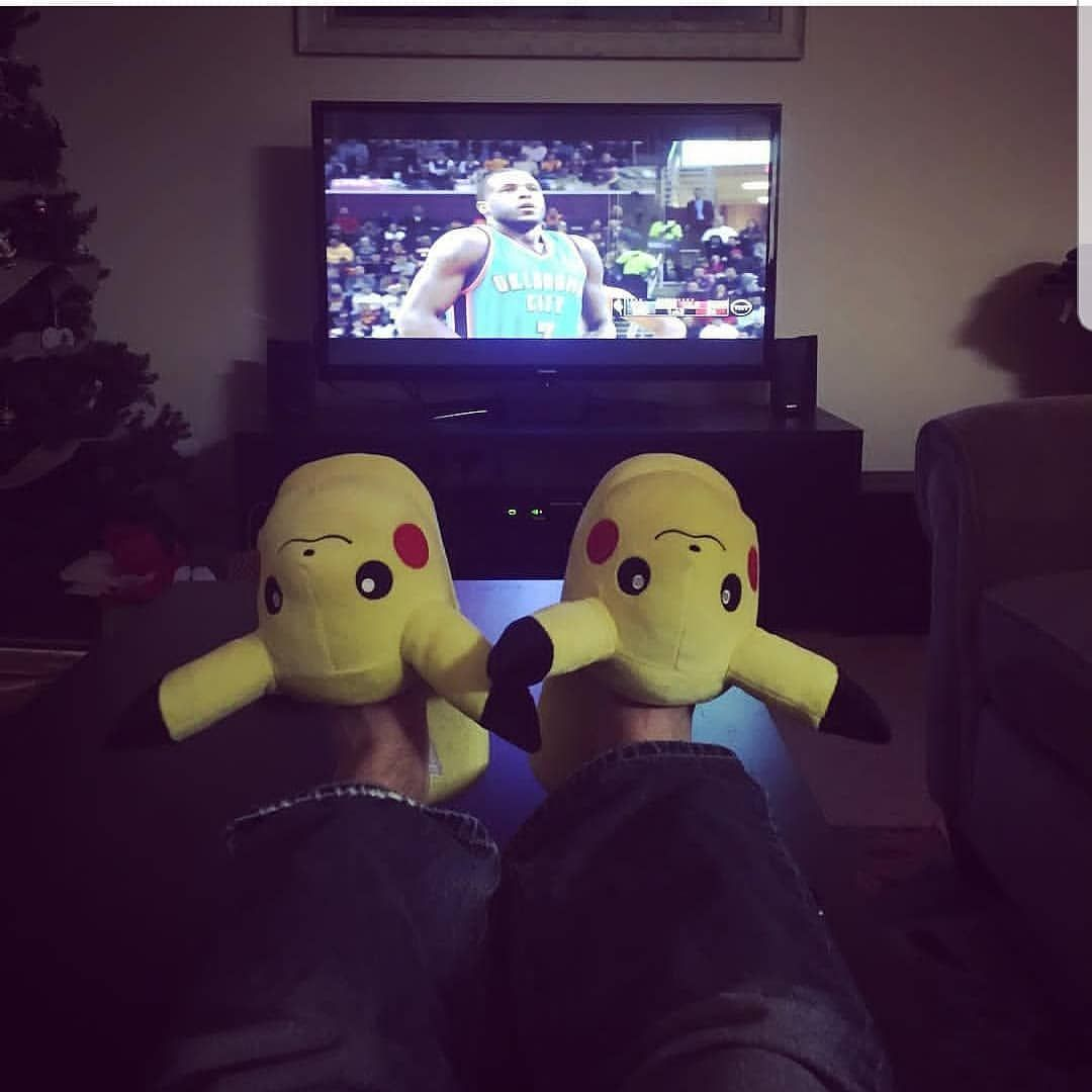You guys watch TV like this too, right?   #pokemon