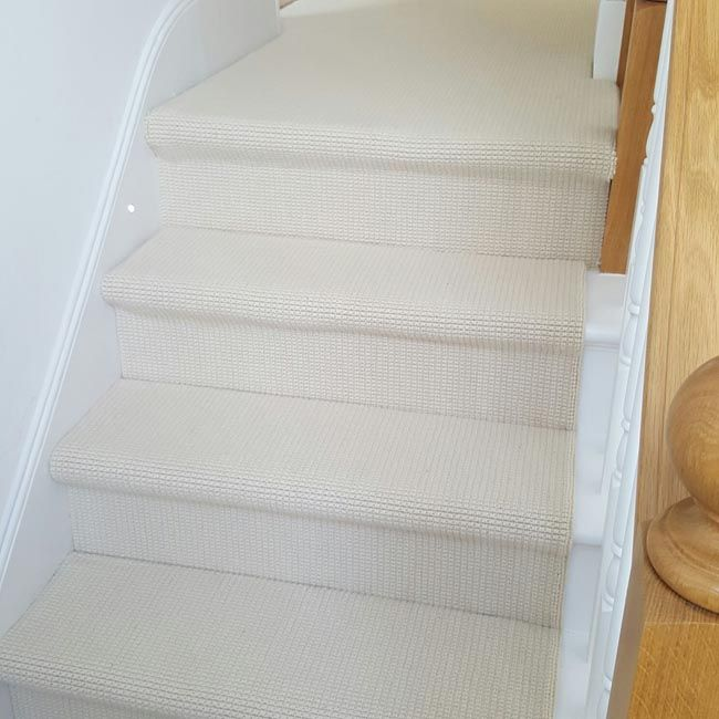 Best Stairs Stairs White Carpet Stair Rods 640 x 480