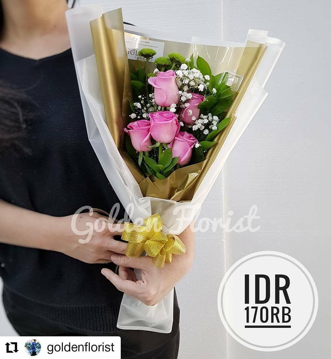 #Repost @goldenflorist • • • • • • Fresh pink roses bouquet Golden florist redi stok bunga fresh dan bunga palsu  Same day delivery available  Wa us to check what we have in stock  Wa 0823 6327 8888 Line @goldenflorist  #beauty #instamood #beautyful #style #girlsjustwannahavefun #modernlife #anakhits #anaksekolahan #kekinian #kekinianbanget #anakgaul #masakini #anakhitz #happiness #bungamurah #bunga #bungawisuda #bungamawar #bungapalsu #bungawisudamurah #jualbunga #buketbunga #buketbungapalsu #b