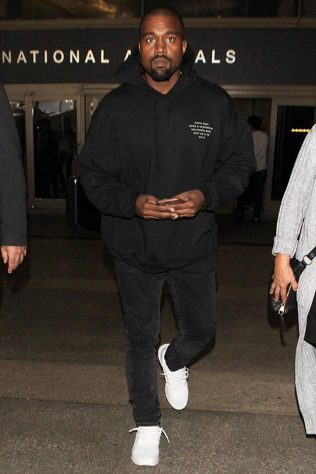 Kanye West Wearing Apple Iphone Leather Case In Brown Adidas Ultra Boost Sneakers Kanye West Hollywood Bowl 80 Kanye West Outfits Kanye West Kanye West Style