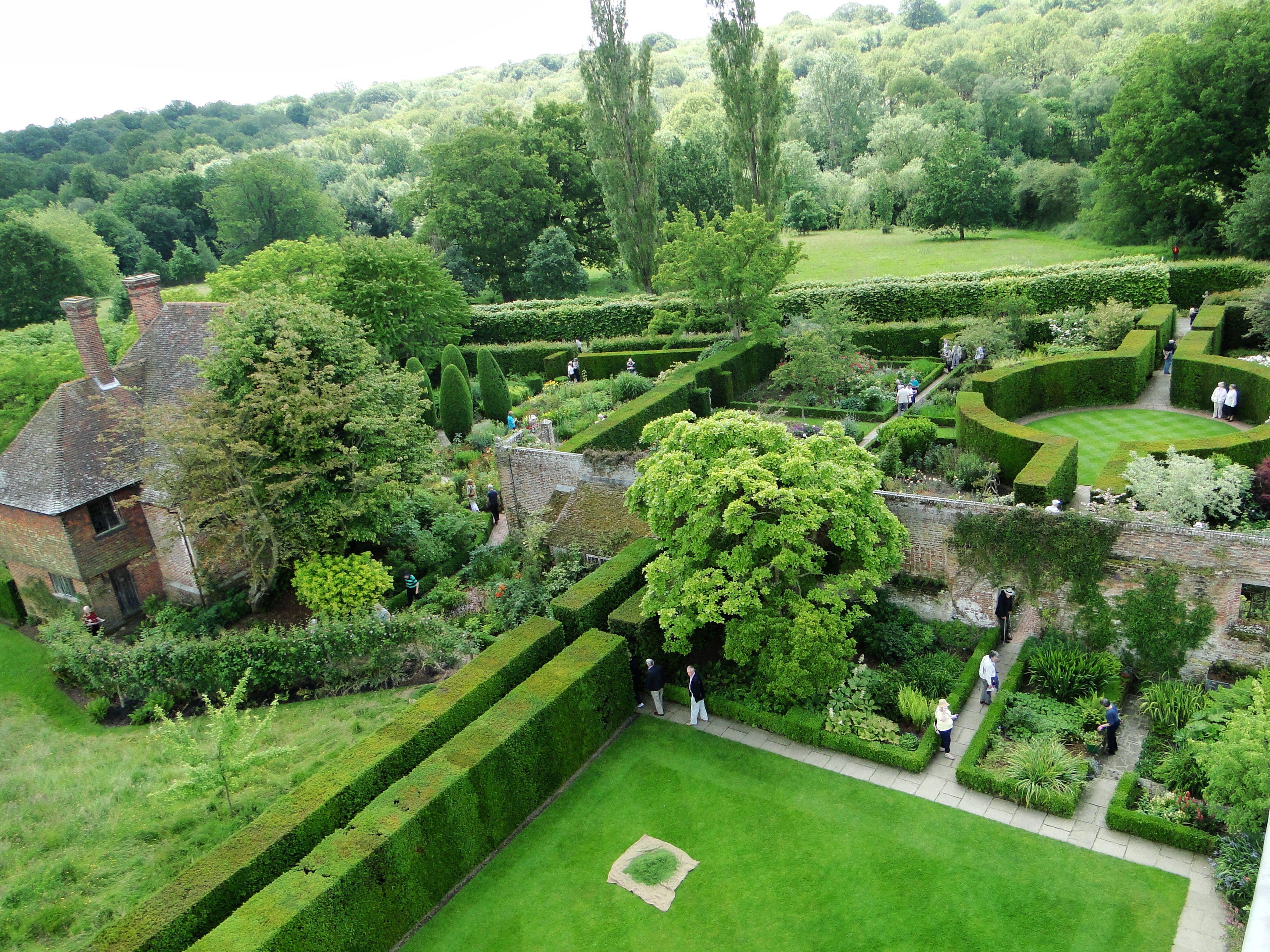 Garden Tour – Sissinghurst Castle Garden   Sissinghurst ...