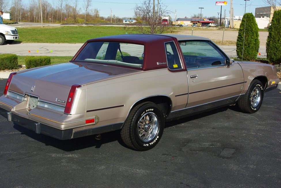 1984 Oldsmobile Cutlass Supreme Brougham I Bought One Brand New Just Like This It Was A Very C Oldsmobile Cutlass Supreme Oldsmobile Cutlass Classic Cars Usa