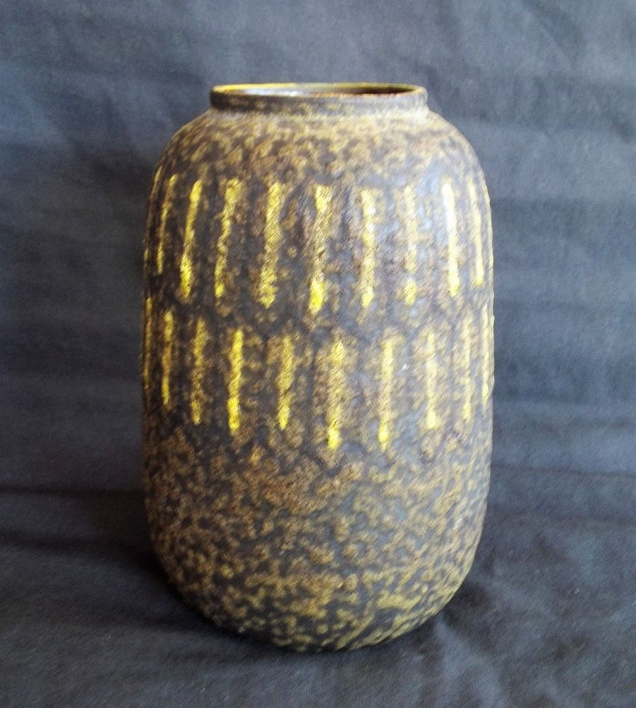 Raymor Bitossi Londi Italian Art Pottery Textured Vase in Excellent Design/Color