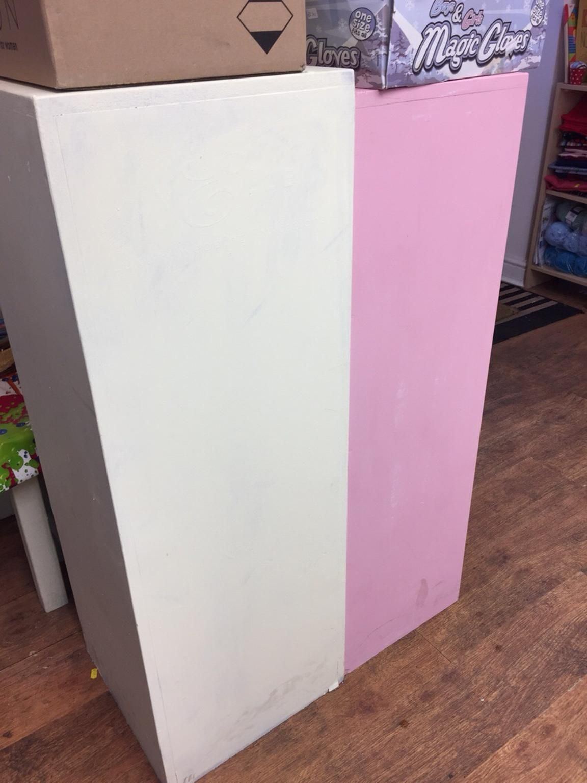 Used Display stands in BN5 Henfield um £ 20,00 – Shpock