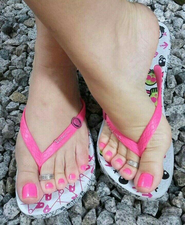 670 Beautiful feet amazing heels and lovely legs idéer i